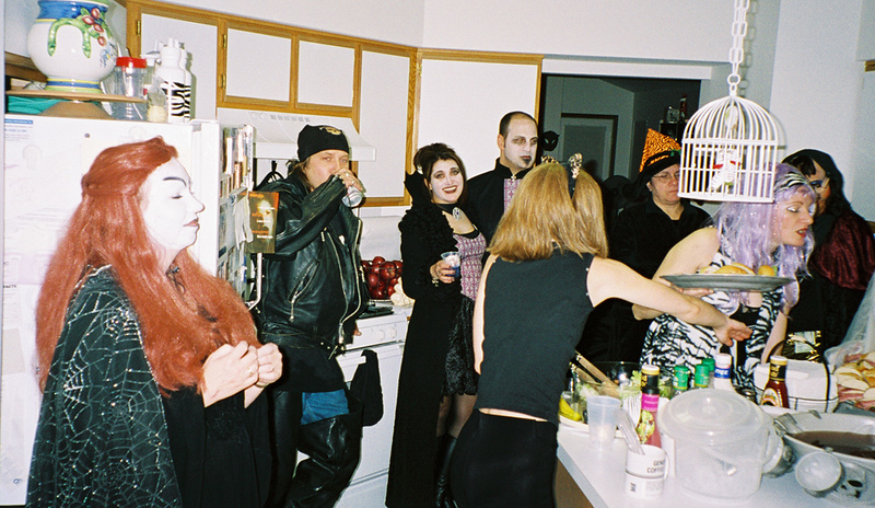 2003-11-1 Costume Party