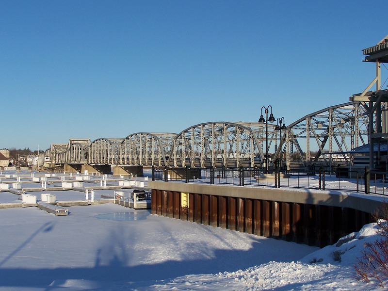 Winter view of the historic Michigan Street bridge in Sturgeon Bay. Taken from the west side by Applebee's.