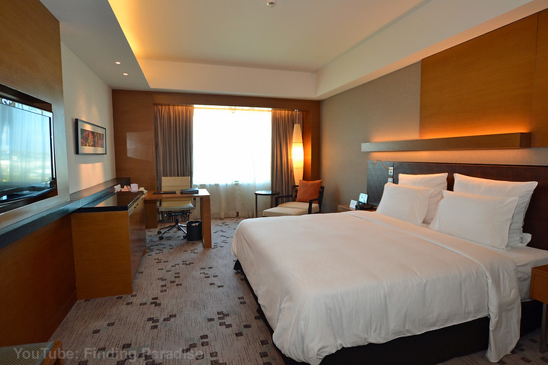 Radisson Blu Cebu Deluxe Room.jpg