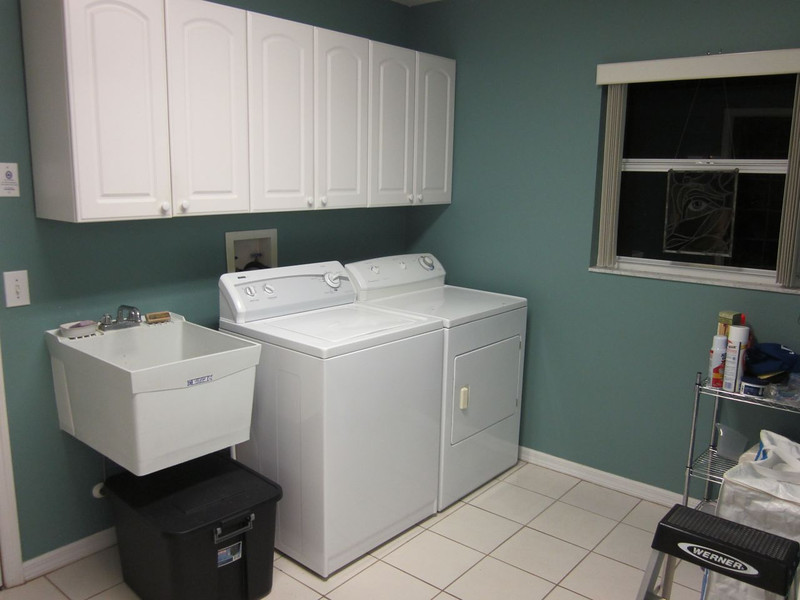 Laundry room off of kitchen... leads to garage.