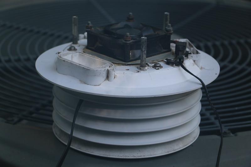 Lower radiation shield assembly