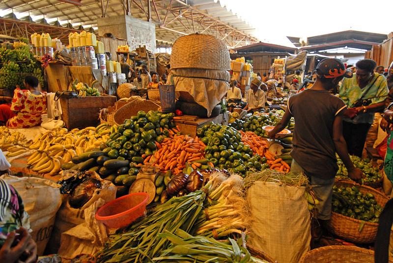 070106 3676 Burundi - Bujumbura - City Center and Market _L ~E ~L.JPG