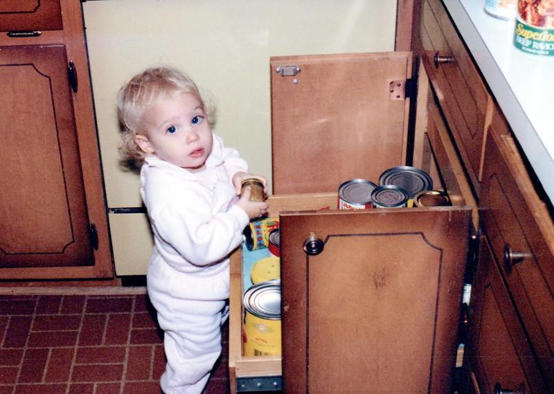 1989_Fall_Halloween Maren Bday Kids antics_0074_a.jpg