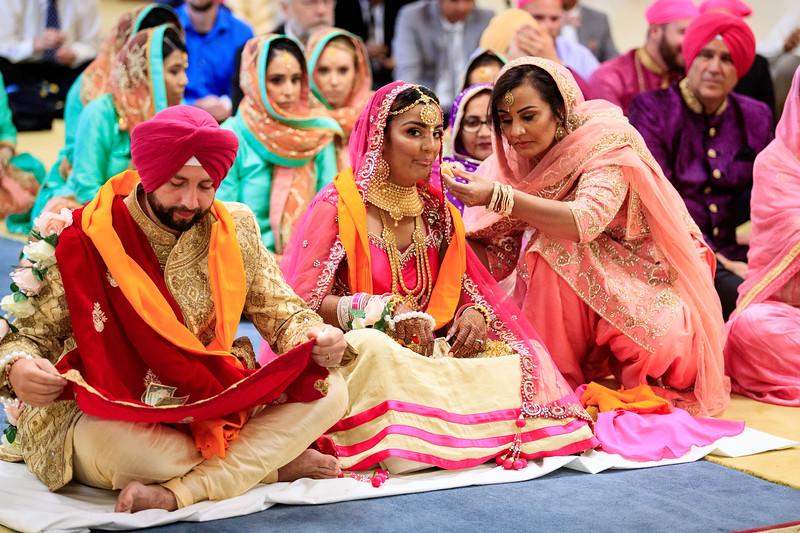 Neelam_and_Matt_Gurdwara_Wedding-1489.jpg