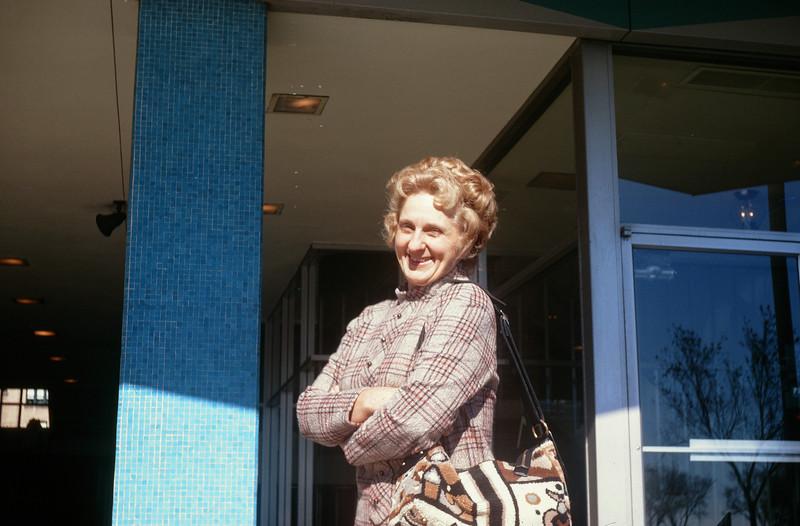 1971_11 Jeanne.jpg