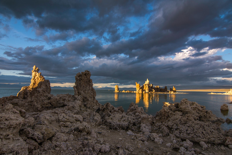 Mono Lake Sunset with clouds2.jpg