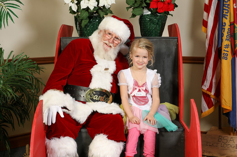 TBTP 2019 Photos with Santa-33.JPG