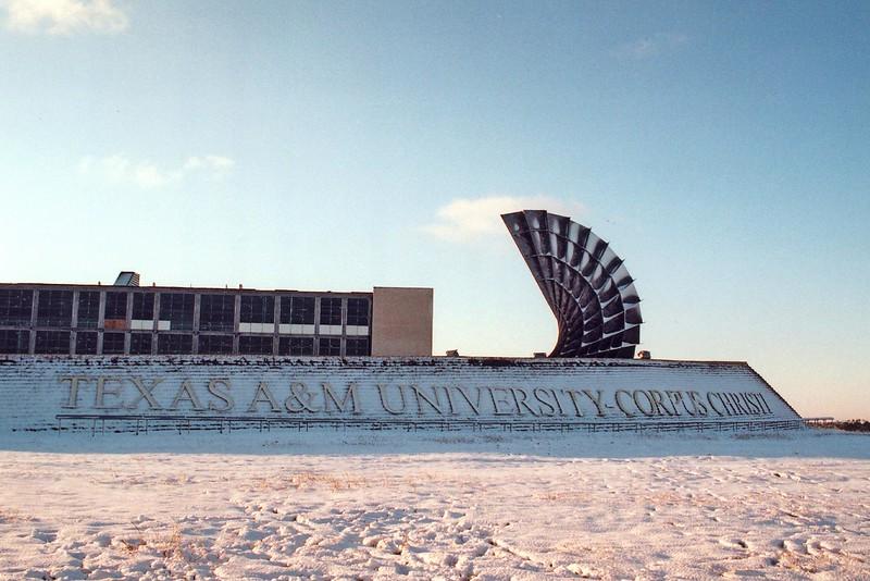 entrance-snow_8267557082_o.jpg