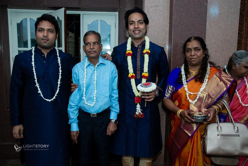LightStory-Lavanya+Vivek-37.jpg
