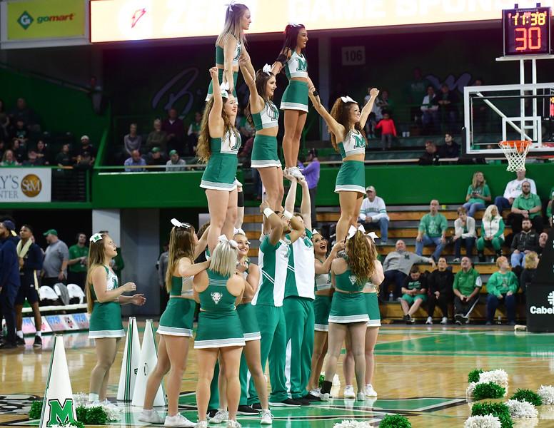 cheerleaders3111.jpg