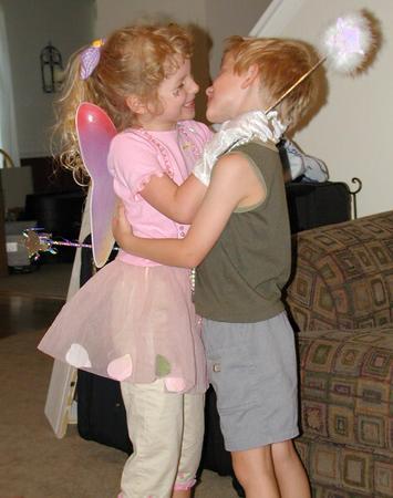 02073010 Kids & Abby's Wings.jpg