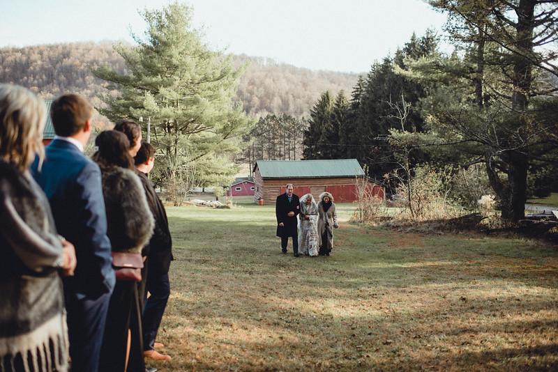 Requiem Images - Luxury Boho Winter Mountain Intimate Wedding - Seven Springs - Laurel Highlands - Blake Holly -956.jpg