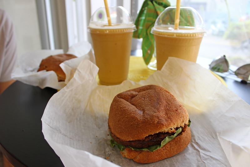 Bermuda-Restaurant-Cafe-Eden-01.JPG
