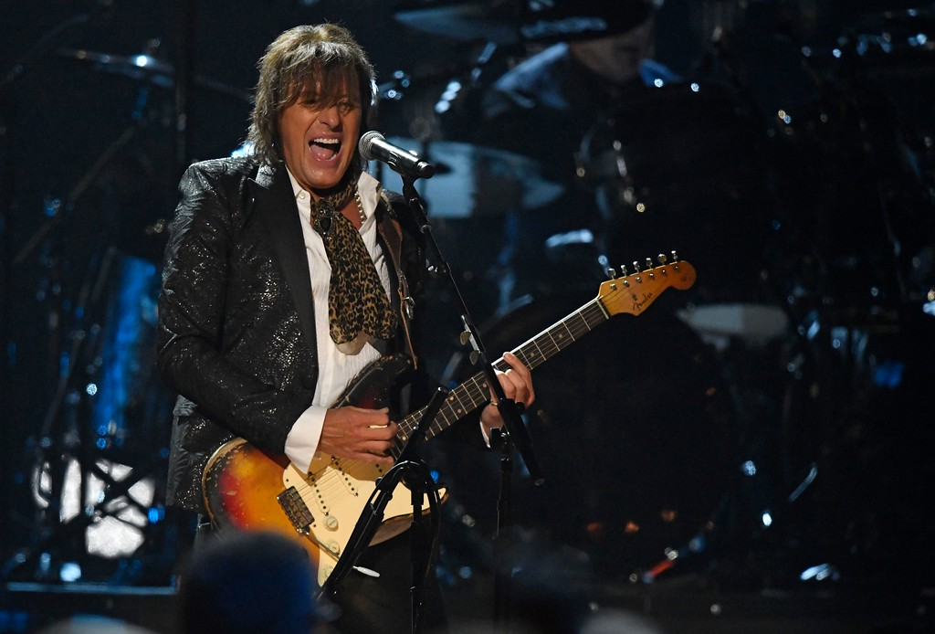 . Richie Sambora from Bon Jovi band performs during the Rock and Roll Hall of Fame Induction ceremony, Saturday, April 14, 2018, in Cleveland. (AP Photo/David Richard)
