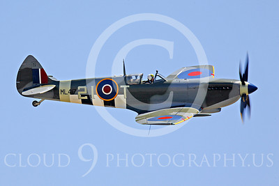 Flying British RAF Vickers-Supermarine Spitfire Airplane Pictures