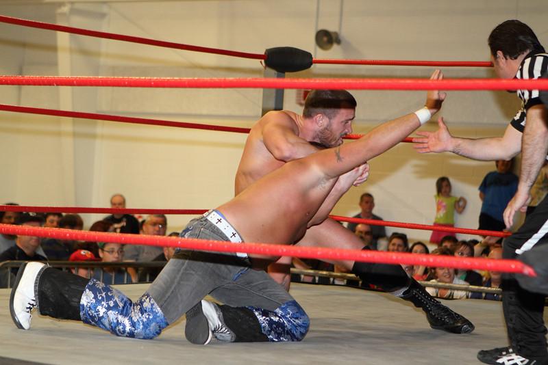 wrestling335.JPG