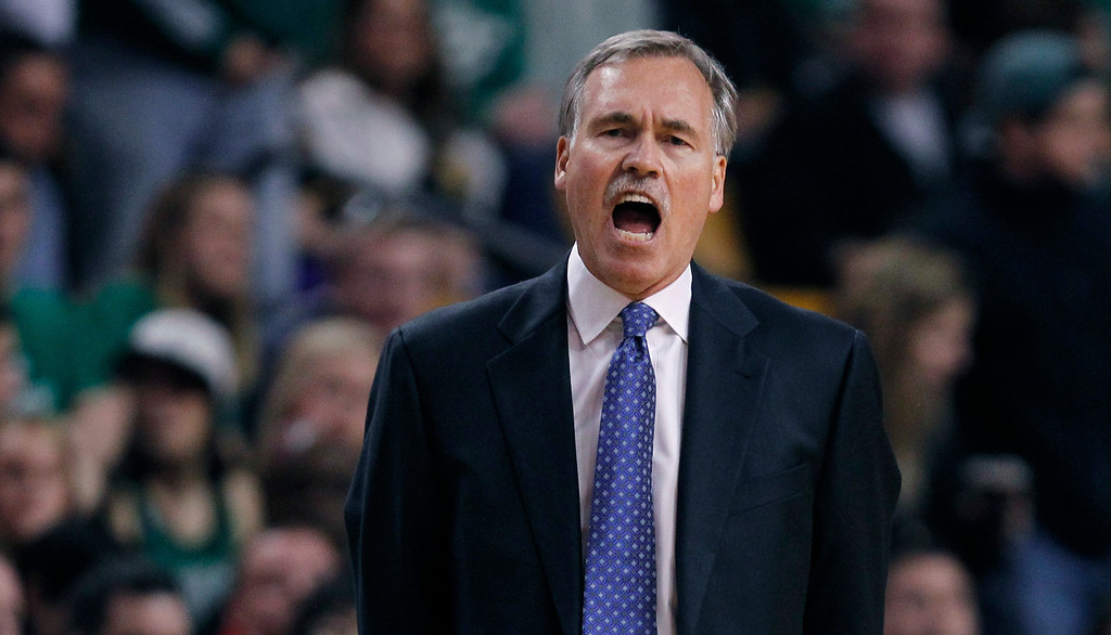 . Los Angeles Lakers head coach Mike D\'Antoni calls to his players during the second quarter of an NBA basketball game against the Boston Celtics in Boston, Friday, Jan. 17, 2014. (AP Photo/Charles Krupa)