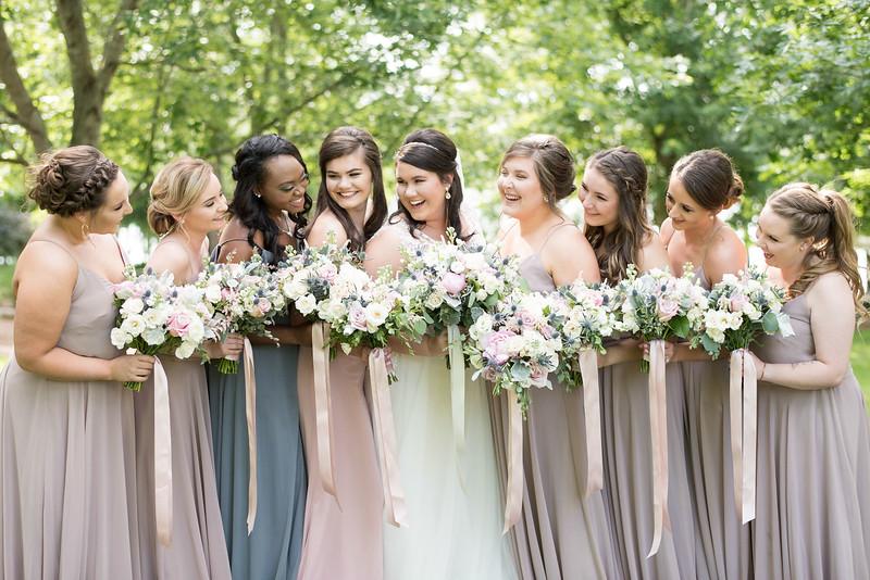 bridesmaids-laughing.jpg