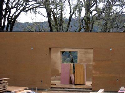 guest wing walls