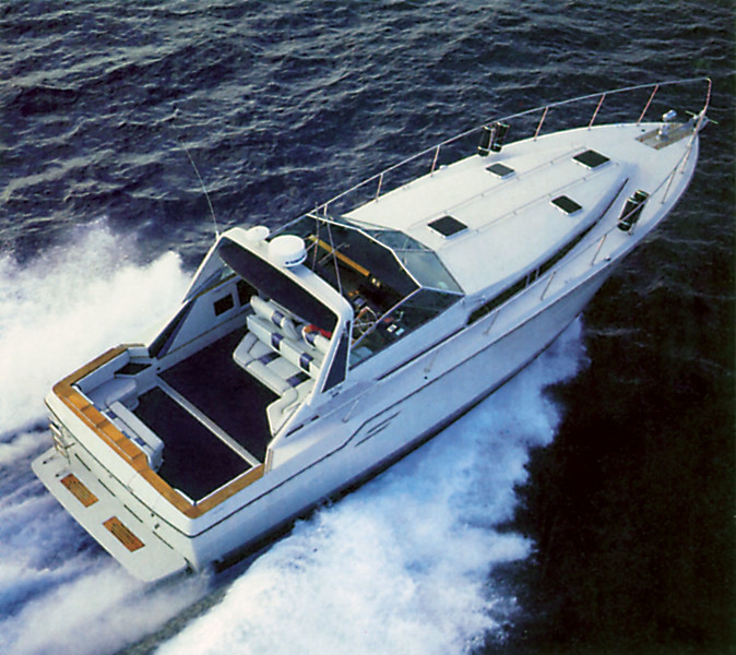 Sea-Ray-460-Express-Cruiser-mid-80s