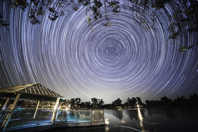 .Perseid Meteor Shower HD.jpg