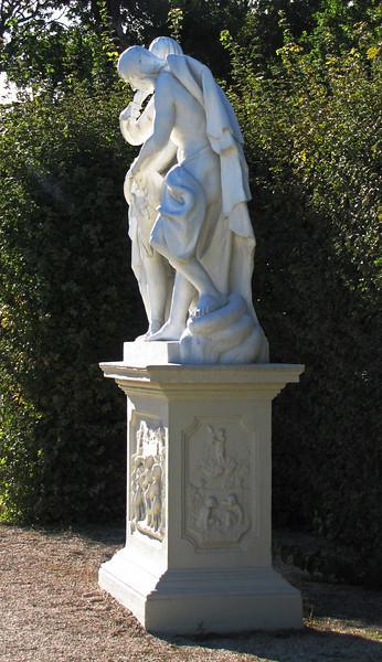 33-sculpturs everywhere