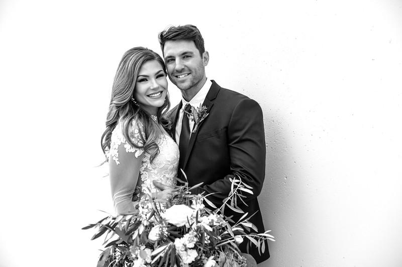Kate&Josh_B&W_ZACH.WATHEN.PHOTOGRAPHER-236.jpg