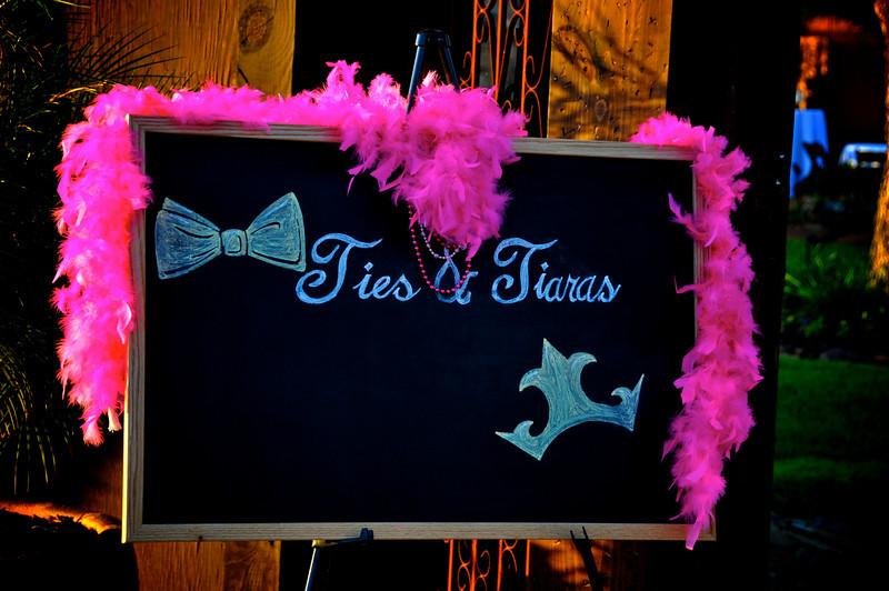 "2009 - KEYS ""TIes & Tiaras"""