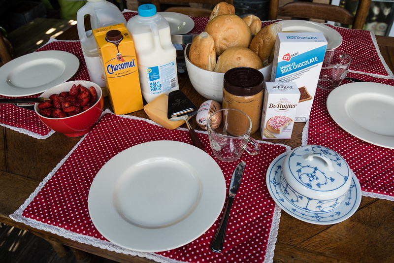 Day 12 - fresh bread and fruit in Swalmen, July 15th