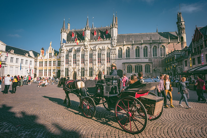 provincial-Court-with-carriage.jpg