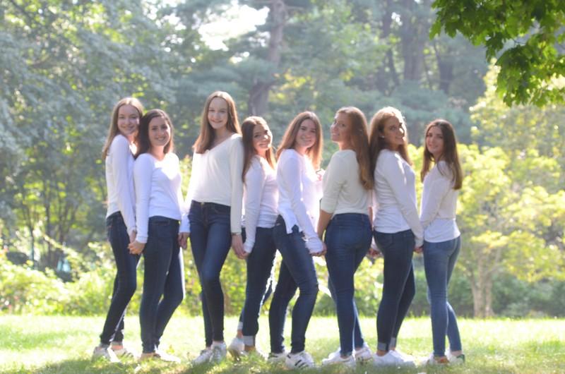 Julia Friend Group Pics - 116 of 308.jpg