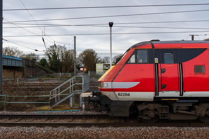 82204 & LNER Mark 4s, Peterborough