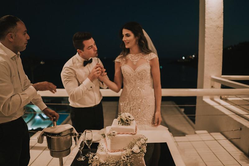 Tu-Nguyen-Destination-Wedding-Photographer-Mykonos-Katherine-Benji-470.jpg
