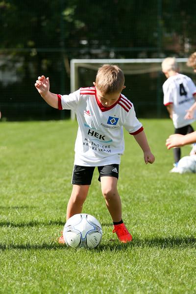 hsv_fussballschule-026_48048028407_o.jpg