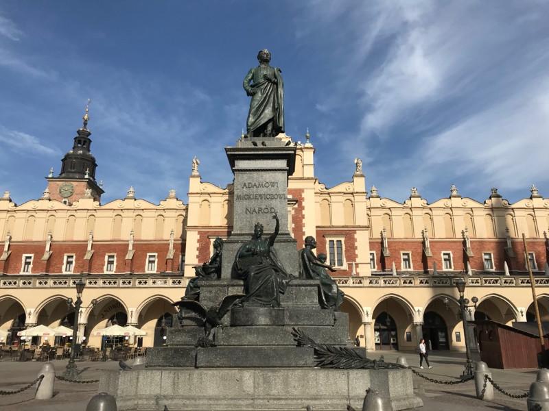 mickiewicz-statue.jpg
