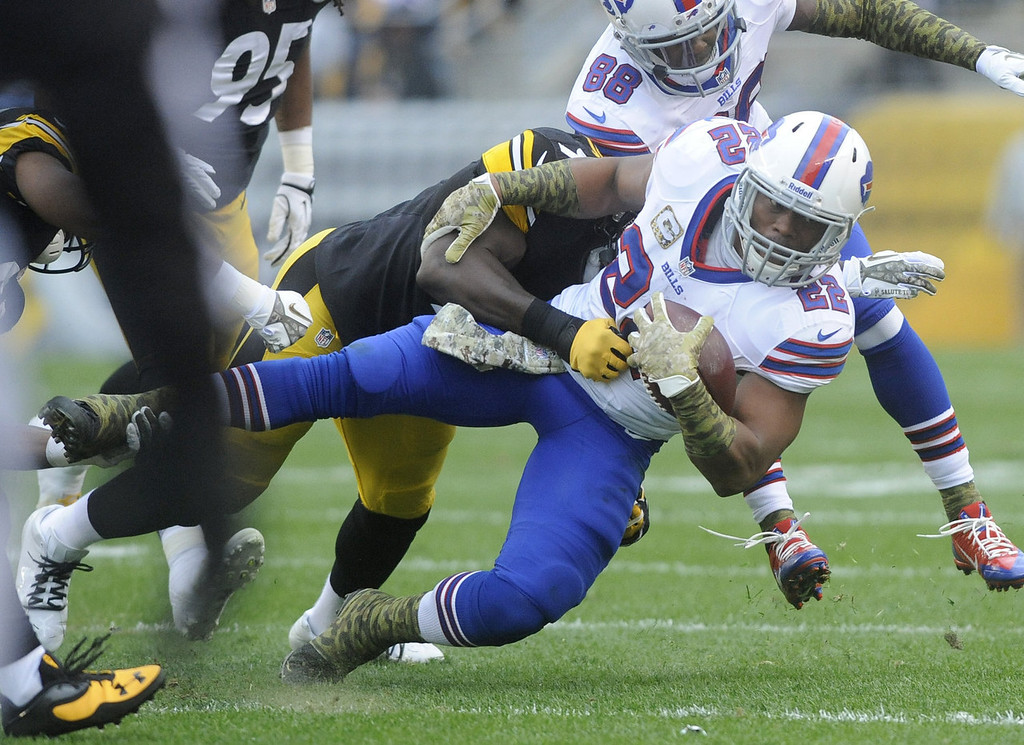 . Fred Jackson #22 of the Buffalo Bills is tackled by Lawrence Timmons #94 of the Pittsburgh Steelers during the first quarter at Heinz Field on November 10, 2013 in Pittsburgh, Pennsylvania. (Photo by Vincent Pugliese/Getty Images)