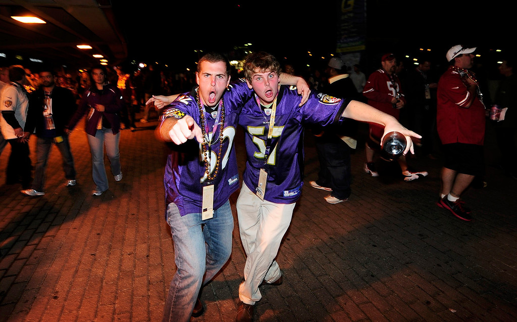 . Baltimore Ravens fans celebrate outside the Superdome following Baltimore\'s victory over the San Francisco 49ers in the NFL Super Bowl XLVII football game in New Orleans, Louisiana, February 3, 2013.  REUTERS/Stacy Revere