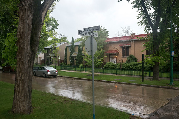 DAVID LIPNOWSKI / WINNIPEG FREE PRESS  The proposed cell tower at the corner of  Niagara St and Grosvenor Ave (there is currently an MTS switching station that looks like a residential property there), photographed Wednesday May 25, 2016.