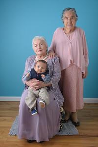 Alexis y abuelitas