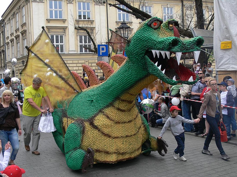 krakow-holidays-dragon-parade.jpg