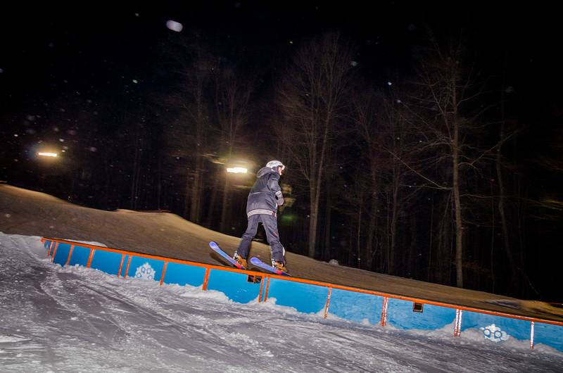 Nighttime-Rail-Jam_Snow-Trails-119.jpg