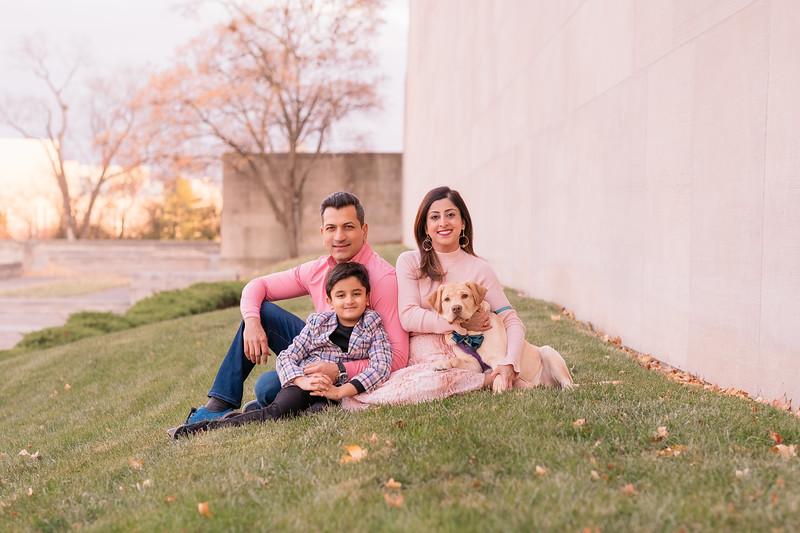 FAMILY32.jpg