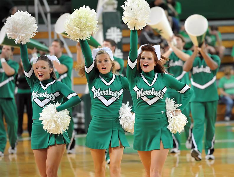 cheerleaders0003.jpg