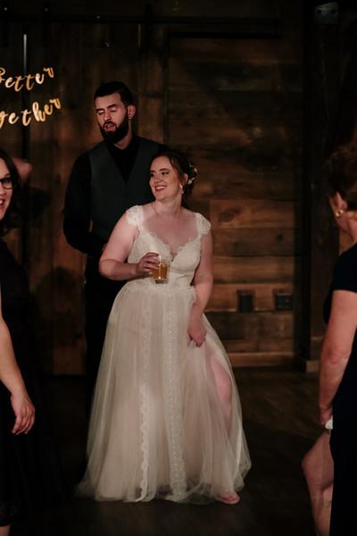 rustic_ohio__fall_barn_wedding-468.jpg