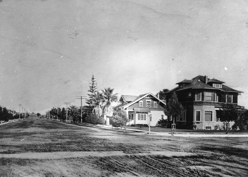 Anaheim-Broadway-atLosAngeles-1908.jpg