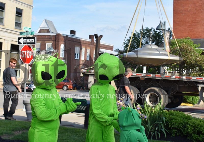 0524_LOC_Mars-UFO-2.jpg