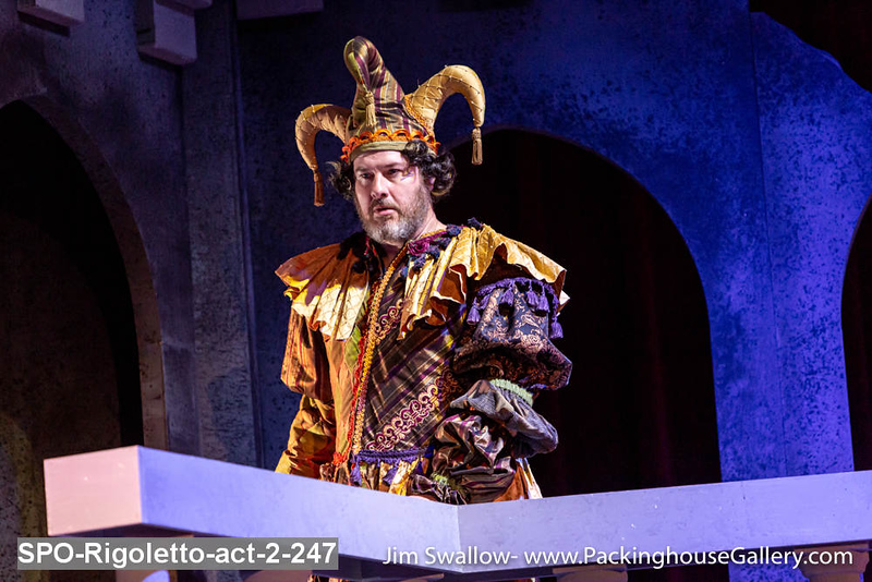 SPO-Rigoletto-act-2-247.jpg