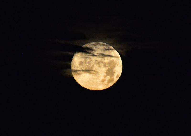 NEA_2740-7x5-Moon Set.jpg
