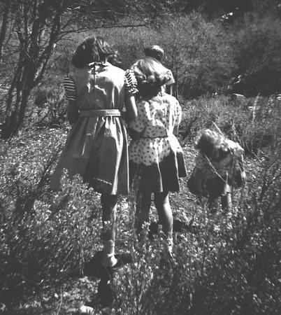1953-h-Suzanne, Lucy.jpg