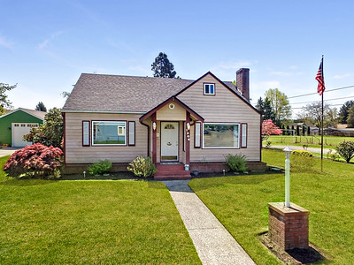 1208 7th Ave NW, Puyallup